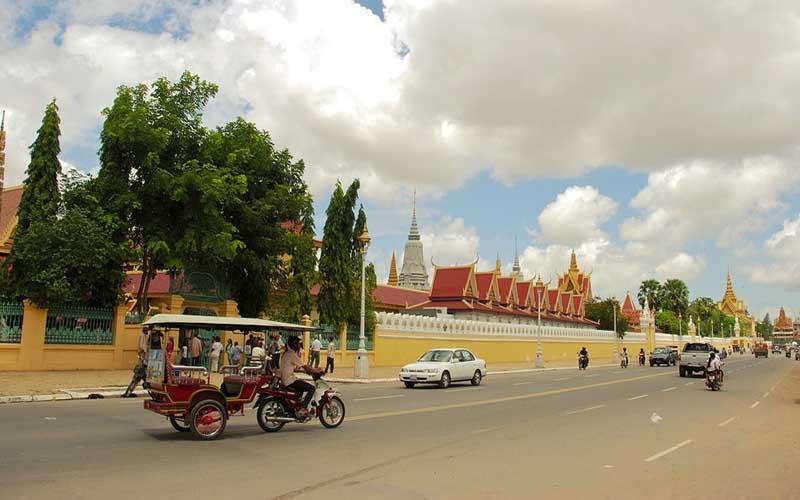 Royal-Palace_Phnom-Penh